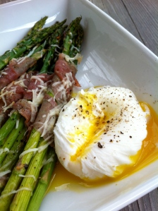 prosciutto wrapped asparagus and poached eggs